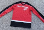 NWT-Boys NHL Detroit Red Wings Hockey Red & Black Mesh Jersey-size 14/16
